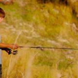 【フリーBGM】釣り具をもった男の子/ほんわかとした可愛い曲