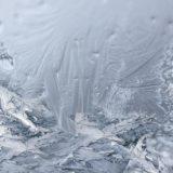 【フリーBGM】冬の雪積もる葉っぱの水滴が/冬の切なさがある